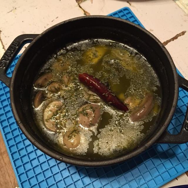 牡蠣のアヒージョ/家族が増えました。