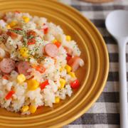 お昼ごはんや小腹が空いたときに!ぱぱっと作れる「ソーセージのご飯モノ」