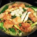 鶏つくねバーグでキムチ風味噌鍋