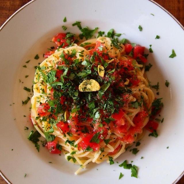 フレッシュトマトの冷やしペペロンチーニ