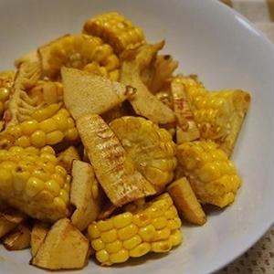 ゴールドラッシュとタケノコのカレー風味炒め