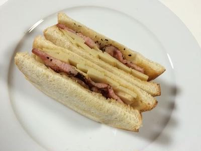 春のタケノコとベーコンのサンドイッチ
