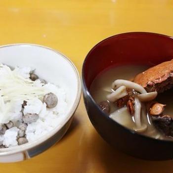 ムカゴご飯とモクズ蟹のお味噌汁~v(^0^)/