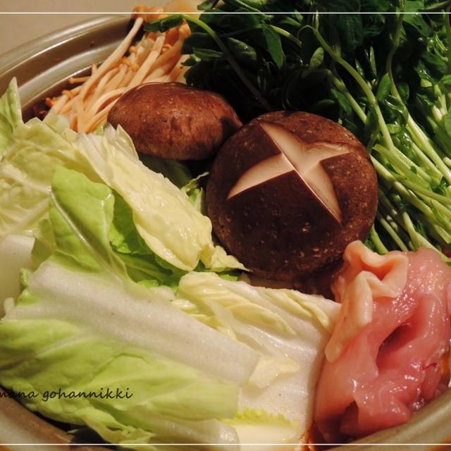 寒い日は、ピリ辛味噌鍋を。