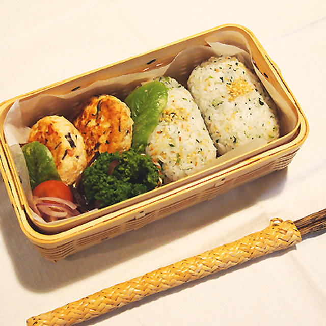 木耳と金時人参の豆腐ハンバーグ・・木耳いっぱいお弁当&お気に入り♪