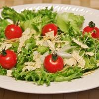 カニクリームコロッケ と 乾燥湯葉添えサラダ