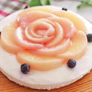 「桃のコンポートとレアチーズケーキ」のレシピ