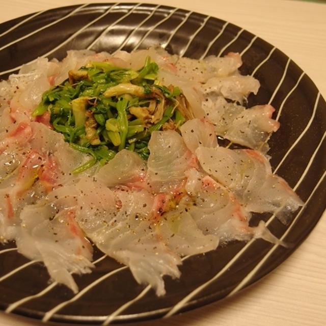 鯛とせりのナムル風カルパッチョ・鯨とにんにくの芽のしょうがカレー炒め