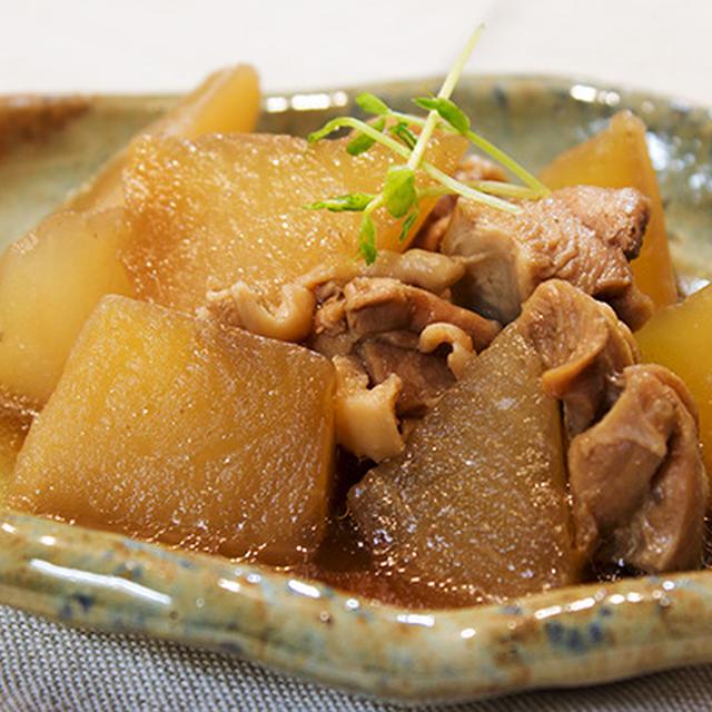 病み上がりにはお腹にやさしい和食。大根、白身魚、味噌汁。