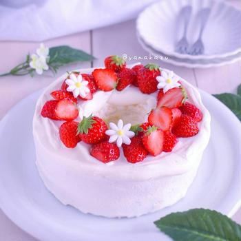 低糖質な苺のふわふわケーキ