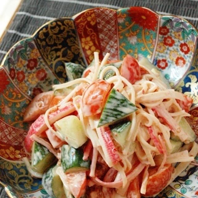 ヘルシー野菜とカニカマのピリ辛サラダ