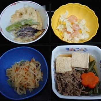 肉豆腐、切干大根の煮物他の弁当