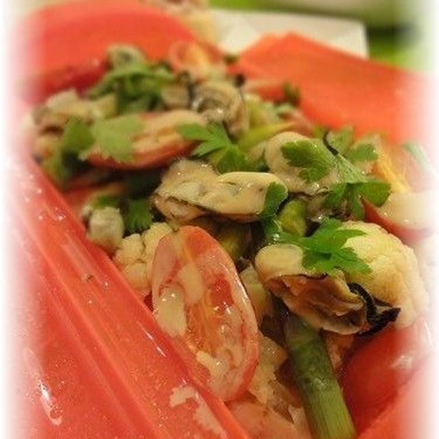 ルクエde牡蠣と彩り野菜のワイン蒸しバーニャカウダソース*