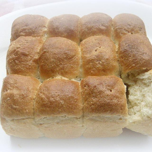 生クリーム入りちぎりパン