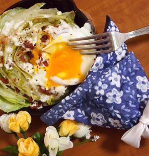 簡単朝ごはん!5分で☆ホットシーザーサラダで「ブーケファスト」*スキレット朝食
