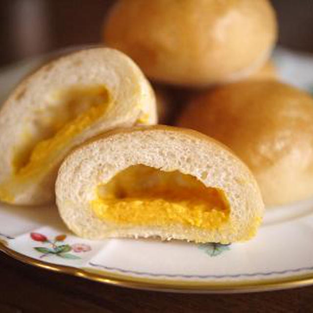 にんじんの「とろ実」のクリームパン