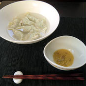 柚子胡椒で食べる水餃子