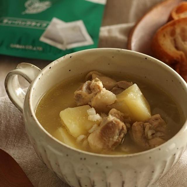 じゃがいもとチキンと押し麦のスープ煮