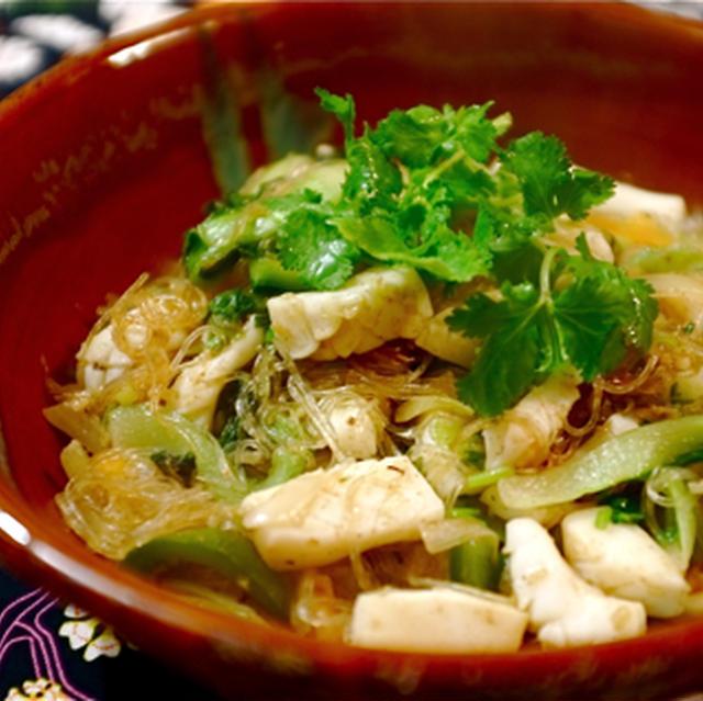 イカと野菜のタイ風春雨炒め。