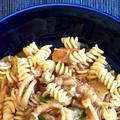 おうちごはんNo.56|イカとトマトのスパイス煮リメイクパスタ
