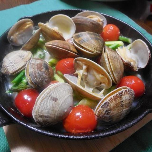 スキレット鍋でアクアパッツァ!大粒あさりが美味い!