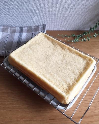 ロールケーキ用シフォン生地♪簡単ですよ。