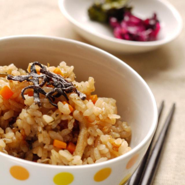 塩昆布と発芽玄米の炊き込みご飯
