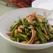 ニンニクの芽と豚肉の炒め物
