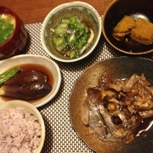 おうちごはん:無水鍋で鯛のアラ炊き