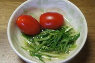 小松菜だけのサラダ