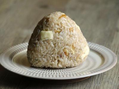 >クルミとしらすのチーズおにぎり、そして装飾古墳館へ by ほずみさん