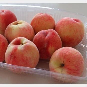 白桃のジャムと、夏のみずみずフルーツ