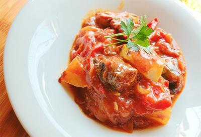 サバ味噌缶を使ったトマト煮込み