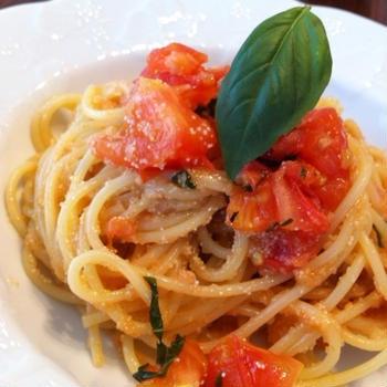 明太子をフレッシュトマトの軽いアーリオ•オーリオで