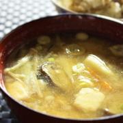 <里芋ときのこのお味噌汁> by はーい♪にゃん太のママさん