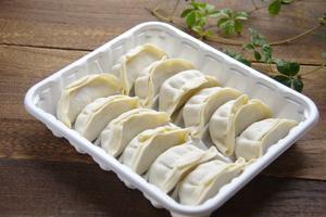 冷凍餃子をパリッと焼くコツ&目からウロコのアレンジとは?「冷凍餃子」基本のき