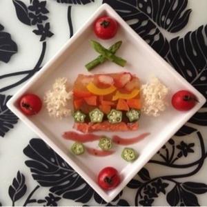まるで宝石箱?暑い季節におすすめの夏野菜の「ゼリー寄せ」