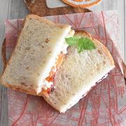 余ったジャムの消費に!カッテージチーズとジャムのサンドイッチ