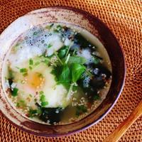 温玉入り とろろわかめスープ
