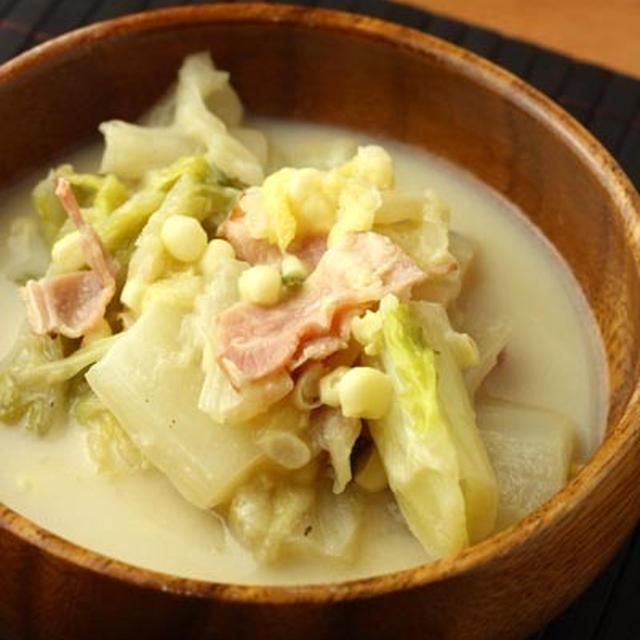 「ハクサイとトウモロコシの豆乳ごま味噌煮」