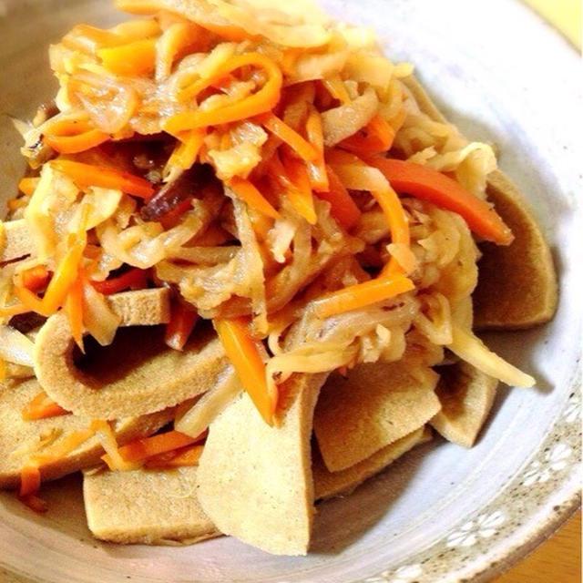 切り干し大根と高野豆腐の煮物。