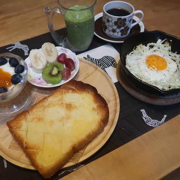 """""""巣ごもり卵""""の朝食と 冷やし中華と ヘメロカリスの花♪"""