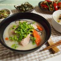 温まる鮭粕汁・筑前煮・黒枝豆麺つゆ焼き・栄養満点ふりかけの晩御飯と休日のUSJ
