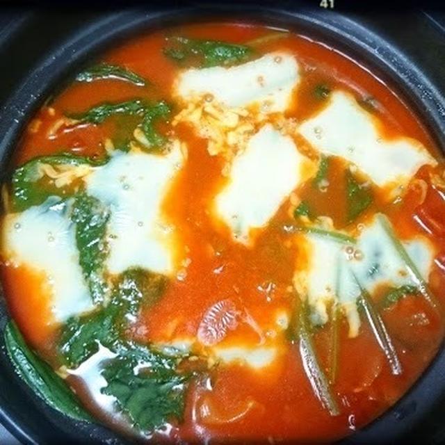 ✨✨土鍋で美活✨✨トマトチーズリゾットでリコピンパワー美肌メニュ〜で若返り!人気のレシピ♪