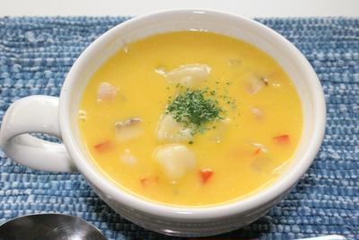 かぼちゃスープのすいとんで朝ごはん