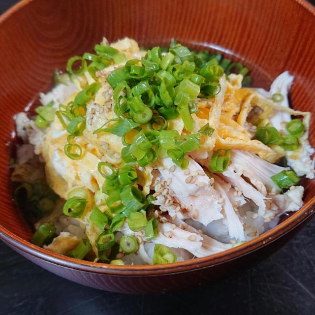 鶏飯とコロッケ蕎麦