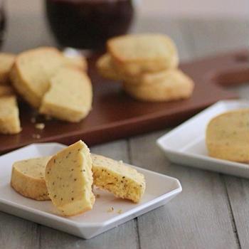 お酒にもあう*チーズとブラックペッパーのクッキー