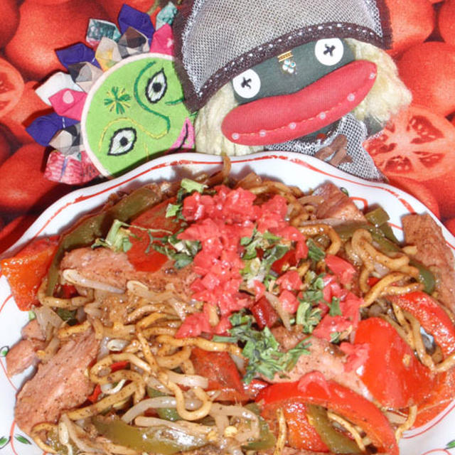 沖縄風ソース焼きそば&キャベツと大葉の和風サラダ(お家カフェ)