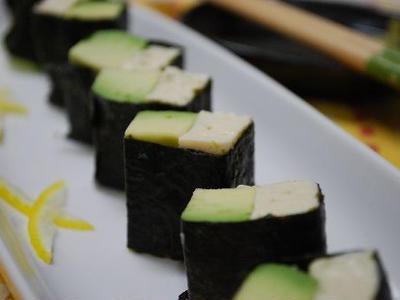 >アボカドと豆腐のおつまみ海苔巻き by snowさん