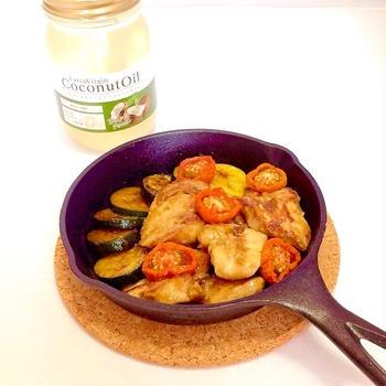 ココナッツオイルで☆鶏と夏野菜のスパイシーソテー